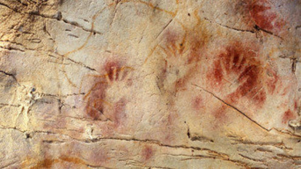 La cueva EL CASTILLO – Santander , España. 40 mil años A.C